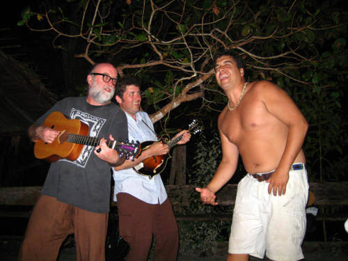 Impromptu concert down by the river with Ari Iglesias and Andrew Heist. Borracho y loco!