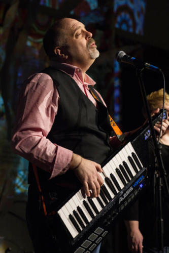 Russell and the keytar, Seattle Aquarium, 2017