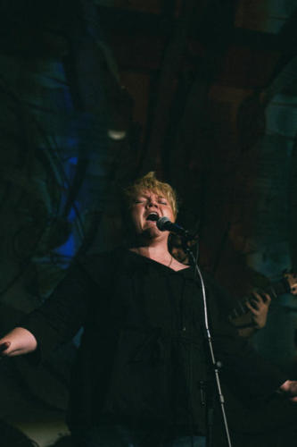 Shauna belting it out at the Seattle Aquarium, 2017