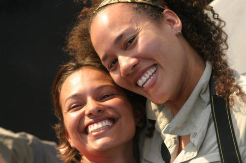 Roomies on the Amazon: Paula of Columbia and Noelle of San Diego. Tranquilo!